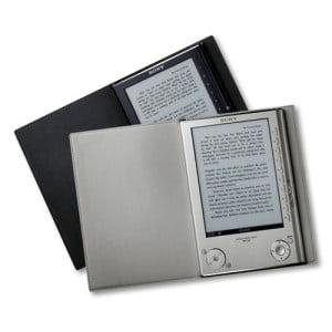 Какова специфика устройства электронной книги?