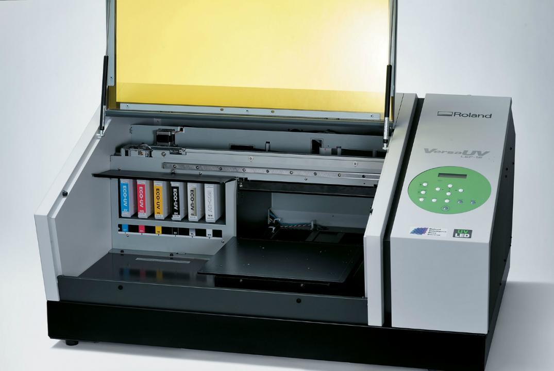 Новый ультра-фиолетовый принтер Roland VersaUV LEF-12